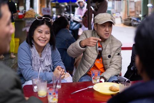 Đạo diễn Park Hee Jun và nhà sản xuất Hạnh Nhân.