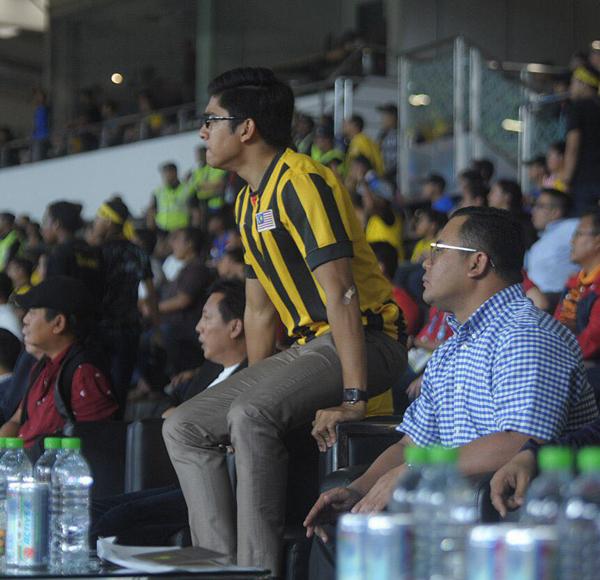 Bộ trưởng trẻ tuổi của Malaysia không bỏ sót một trận đấu nào trên sân nhà.