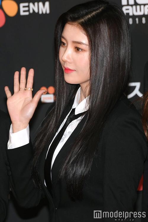 Ở góc chụp nghiêng, Kwon Eun Bi khá giống Irene (Red Velvet).