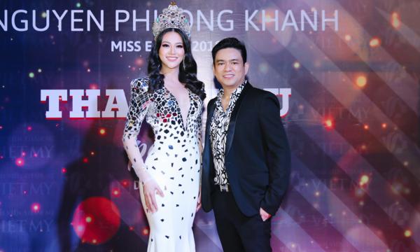 Phương Khánh và bác sĩ Chiêm Quốc Thái.
