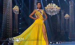 Bán kết Miss Universe: H'Hen Niê đổi đầm dạ hội phút chót theo ý của khán giả