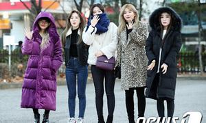 Red Velvet run rẩy, Mi Joo không còn 'làm lố' vì trời lạnh