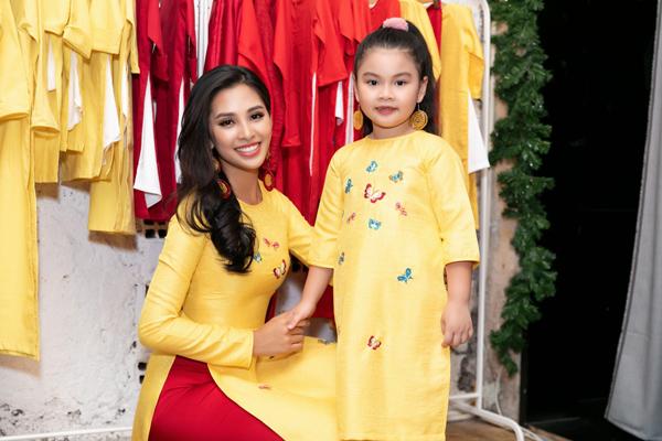 Tiểu Vy tất bật chạy show làm vedette sau khi trở về từ Miss World - 5