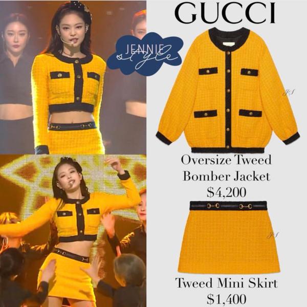 Set đồ của Gucci bị cắt ngắn hết cỡ cho Jennie khoe dáng trên sân khấu.