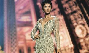 Chiếc váy đính hơn 3.000 viên đá giúp H'Hen Niê làm nên lịch sử