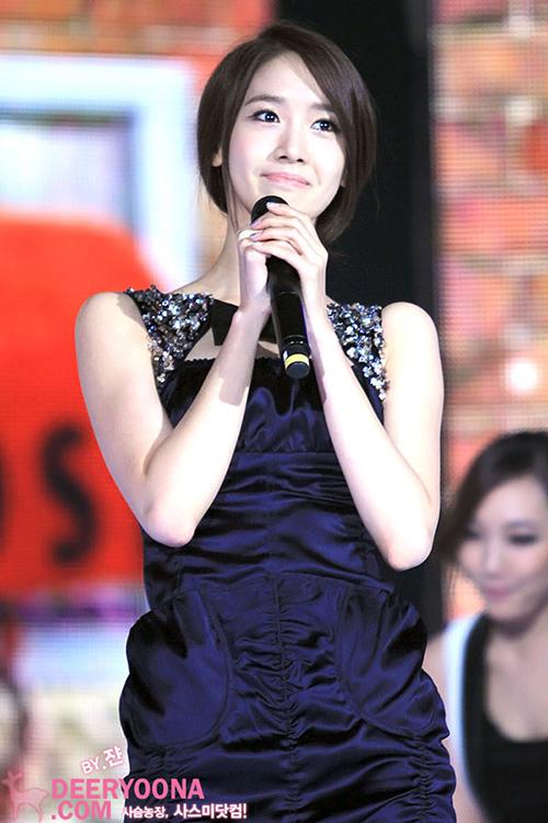 Sau khi bận rộn ở đài KBS, nữ ca sĩ tiếp tục chạy sang làm MC cho show SBS Gayo Daejun năm 2011.