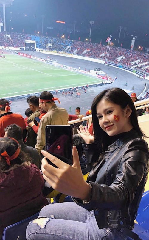 Thu Hoài là một fan của bóng đá.