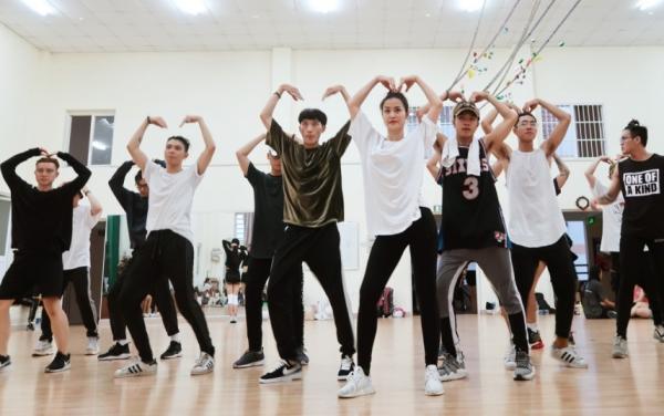Đông Nhi sẽ biểu diễn 36 ca khúc trong liveshow 10 năm ca hát - 4