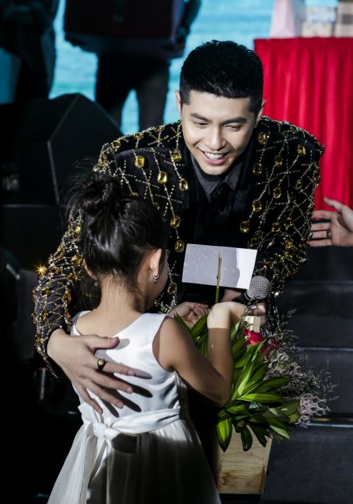 Noo Phước Thịnh bật khóc khi chia sẻ với fan trong sinh nhật - 5