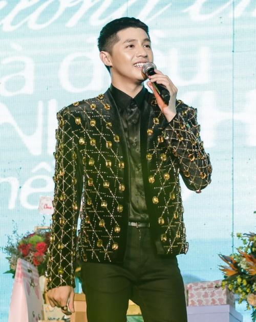 Noo Phước Thịnh bật khóc khi chia sẻ với fan trong sinh nhật - 2