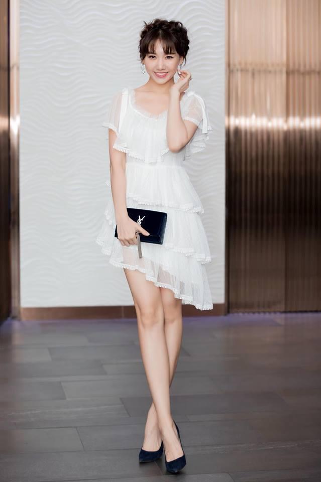 <p> Đây là kiểu trang phục yêu thích để tôn lên làn da sáng, vóc dáng chuẩn của bà xã Trấn Thành.</p>