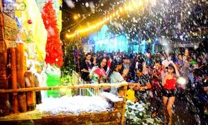 Ngắm tuyết rơi ở 'Phố hang đá khổng lồ' lung linh nhất Sài Gòn