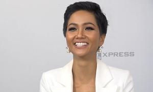 H'Hen Niê kể chuyện mua sỉ dép tổ ong tặng thí sinh Miss Universe
