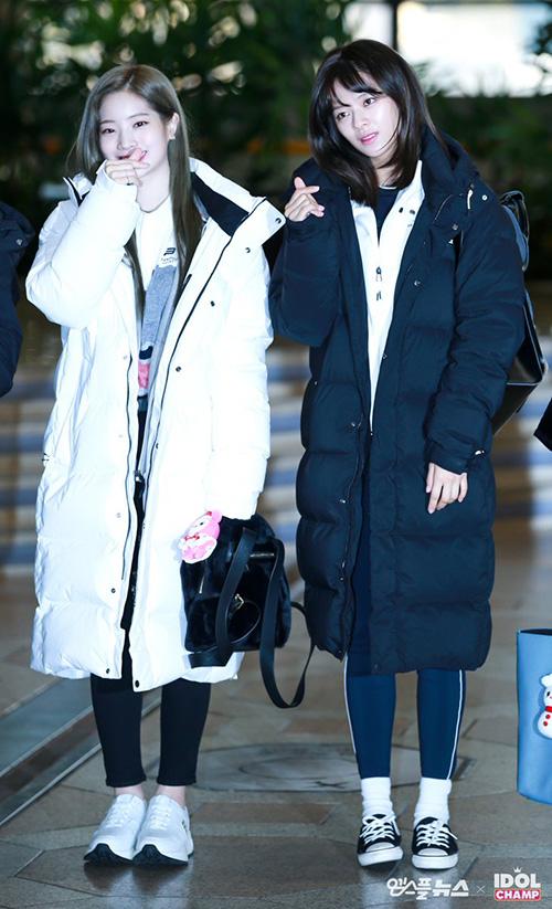 Da Hyun đã chuyển sang màu tóc xám chất lừ vào dịp cuối năm. Jeong Yeon lộ vẻ mệt mỏi khi đi làm.