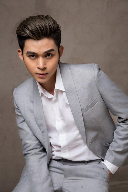 Là thành viên của nhóm nhạc đình đám 365 một thời, sau thời gian chật vật solo, Jun Phạm đang ngày tạo được dấu ấn cá nhân. 2018 là năm thành công của chàng ca sĩ điển trai. Ngoài vai trò chính là ca sĩ, Jun Phạm lấn sân ở nhiều lĩnh vực.