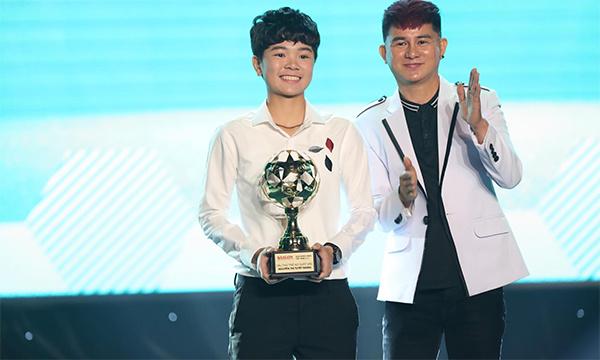 Nguyễn Thị Tuyết Ngân của ĐT TP. Hồ Chí Minh nhận giải Cầu thủ nữ trẻ xuất sắc. Ba đề cử cho hạng mục này gồm Nguyễn Thị Tuyết Ngân (TPHCM), Cù Thị Huỳnh Như (TPHCM) và Ngân Thị Vạn Sự (Hà Nội).
