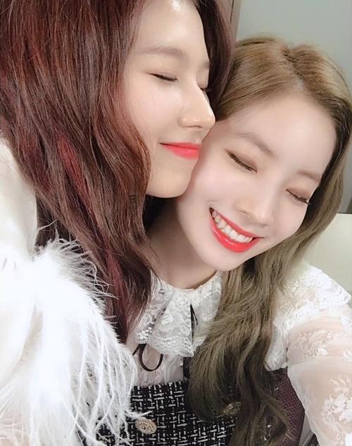 Sana và Da Hyun