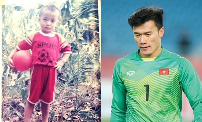 <p> Thủ môn Bùi Tiến Dũng thể hiện niềm đam mê với trái bóng tròn từ bé. Dù không có nhiều cơ hội ra sân, thể hiện bản thân tại AFF Cup vừa rồi, cầu thủ gốc Thanh Hóa vẫn được HLV Park Hang-seo triệu tập, chuẩn bị cho Asian Cup sắp tới.</p>