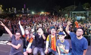Ban nhạc Indonesia bị sóng thần cuốn trôi khi đang biểu diễn