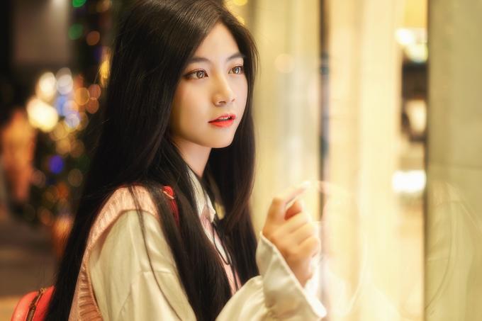 <p> Nam Phương chọn cách make up nhẹ nhàng trong trẻo như gái Hàn.</p>