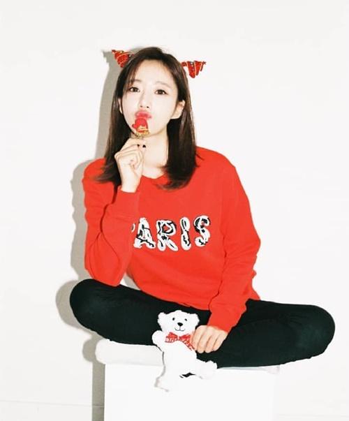 Eun Jung tung ảnh đón Giáng sinh với vẻ đẹp ngọt ngào.