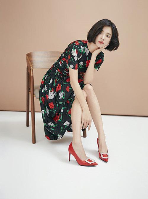 Sau đám cưới cổ tích với Song Joong Ki, Song Hye Kyo luôn là cái tên hot trên mặt báo. Bất cứ một hoạt động nào của nữ diễn viên đều thu hút mọi sự quan tâm. Ngôi sao đến từ quận Dalseo, Daegu - thành phố nổi tiếng vì có nhiều nhan sắc đình đám xứ Hàn.