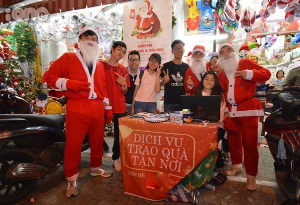 Những Ông già Noel đặc biệt mùa Giáng sinh ở Đà Nẵng