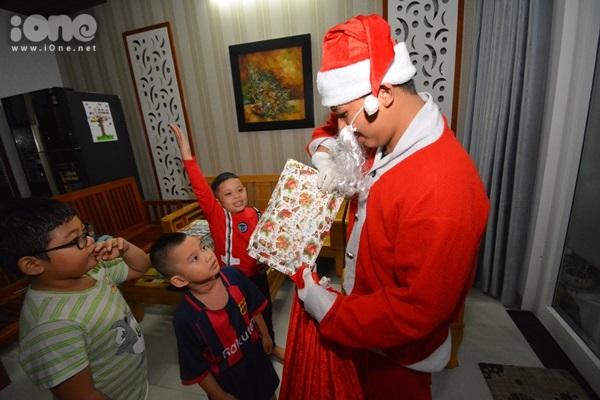 Những Ông già Noel đặc biệt mùa Giáng sinh ở Đà Nẵng - 4