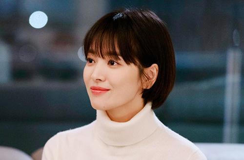 Dịp cuối năm 2018, Song Hye Kyo hợp tác cùng Park Bo Gum trong bộ phim mới Encounter. Nhan sắc của chị đẹp tiếp tục trở thành chủ đề nóng trên các forum ở Hàn Quốc. Đầu năm đám cưới, cuối năm có phim hot, Song Hye Kyo thật sự đã có một năm hoàn hảo ở mọi lĩnh vực.