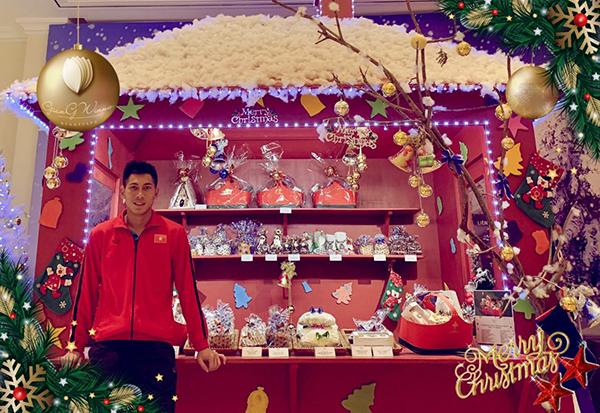 Nguyễn Tuấn Mạnh chia sẻ: Chúc cho Gia Đình và tất cả những người thân yêu nhất có 1 Giáng Sinh thật ấm áp và an lành .