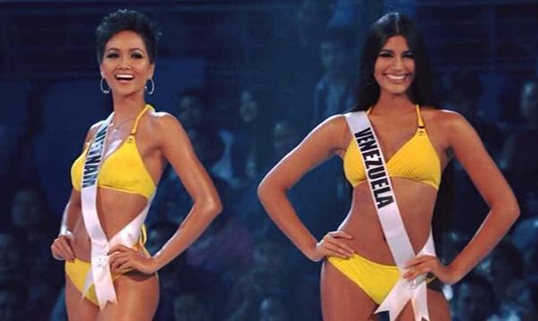 Cùng với HHen Niê, chân dài 19 tuổi đến từ Venezuela cũng lọt vào Top 5 trong chung kết Miss Universe 2018 và cuối cùng lên ngôi Á hậu 2. Với tính cách nhí nhảnh, tươi vui chuẩn teen girl, Sthefany có rất nhiều người hâm mộ trong cuộc thi, cô còn được đặt biệt danh vui là cô bé đô con với vóc dáng sexy vượt trội so với tuổi.