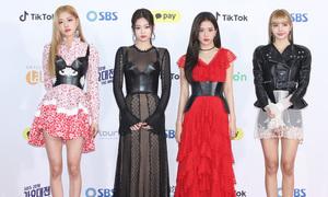 Black Pink bị chê dù diện đồ hiệu, Jennie và Lisa mặc chung set đồ