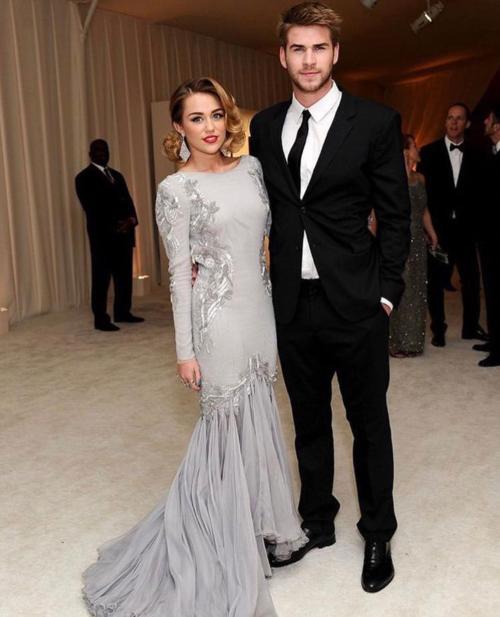 Miley cho biết tình cảm của hai người ngày càng bền chặt sau nhiều thử thách.
