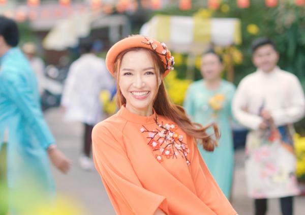 Sau bao giờ lấy chồng, Bích Phương hứa hẹn khuấy đảo mùa Tết 2019 - 1