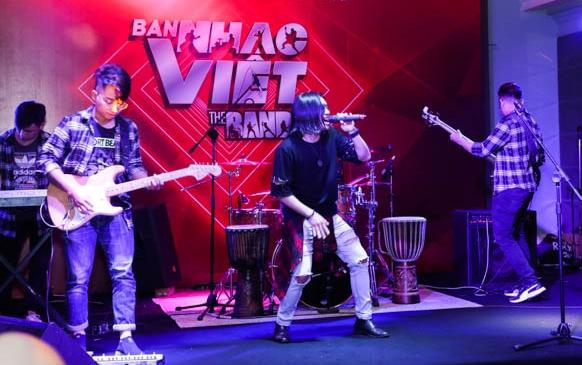 Một ban nhạc dự thi mùa 2 được hé lộ tại buổi ra mắt.