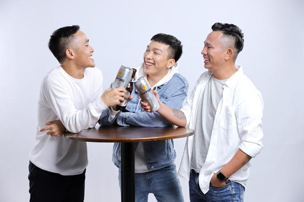 Uống bia dịp Tết cổ truyền đã trở thành một trong những nét văn hóa đặc sắc của người Việt.