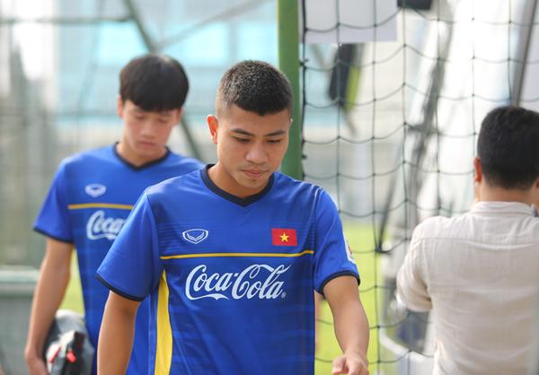 Đinh Thanh Bình trong buổi tập cùng đội tuyển ngày 21/12.