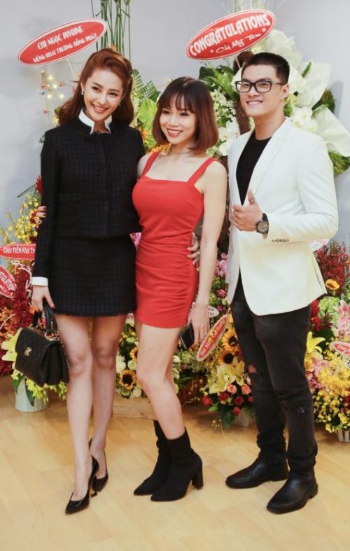 Nữ vũ công là bạn thân thiết của cặp đôi Lâm Vinh Hải -  Linh Chi. Họ từng hùn vốn mở studio dạy nhảy riêng. Đến nay cả hai vẫn hỗ trợ nhau trong công việc và xuất hiện ở những dự án cá nhân.
