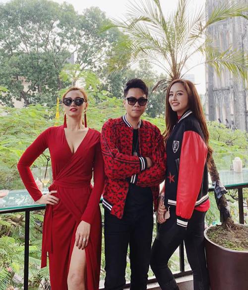 Bộ ba Lã Thanh Huyền - Thái Dũng - Mai Phương Thúy tông xuyệt tông đồ đỏ bất chấp gió đông.