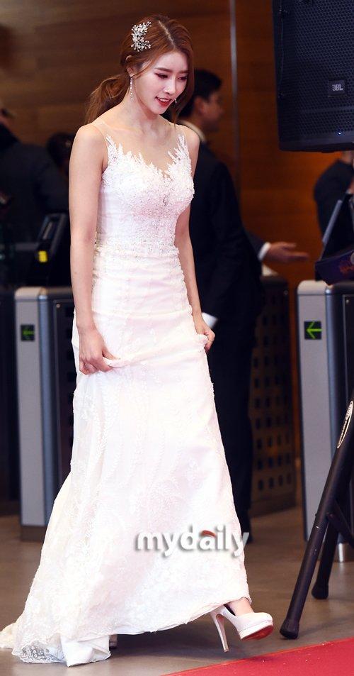 Mi Joo (Lovelyz) thường xuất hiện trên các show thực tế nhờ tính cách sôi nổi.
