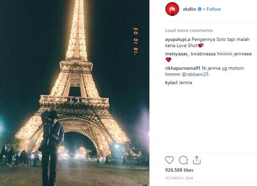 &và Kai cũng vậy. Các fan tin rằng Jennie chính là người đã chụp cho Kai những bức ảnh này. Thậm chí trong một video Kai từng đăng lên Instaram Story, người hâm mộ nghe thấy tiếng cười của một cô gái khá giống Jennie.