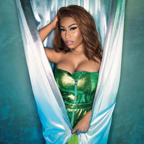 Nicki Minaj nổi tiếng là ngôi sao thường xuyên cập nhật mạng xã hội nên việc cô lọt vào top được thả tim nhiều nhất cũng không có gì lạ. Với 605 post, nữ rapper cá tính này nhận được 536 triệu lượt like từ người hâm mộ.