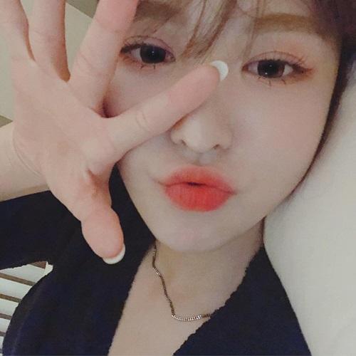 Wendy (Red Velvet) tung loạt ảnh đẹp dịp đầu năm mới, trong đó có ảnh giường chiếu.