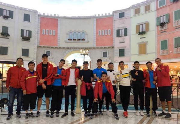Đội tuyển Việt Nam tham quan thủ đô Doha, Qatar trước khi lên đường sang UAE.