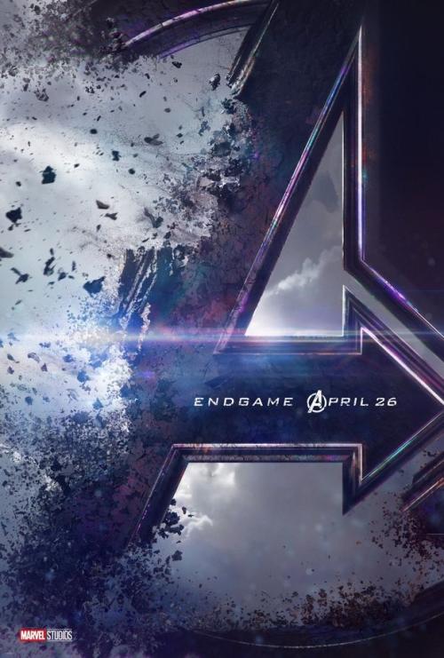 Poster chính thức cho Avengers 4.