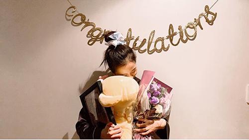 Hôm nay là sinh nhật của Ji Soo (Black Pink), cô nàng cảm ơn các fan đã gửi những lời chúc và quà.