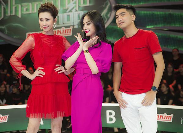 Xuất hiện tại gameshow ăn khách Nhanh như chớp, Thúy Ngân tiếp tục hội ngộ hai bạn chơi - diễn viên Angela Phương Trinh và hot streamer Pew Pew. Cả ba rủ nhau chọn màu đỏ và hồng để đem đến may mắn cho cả đội.