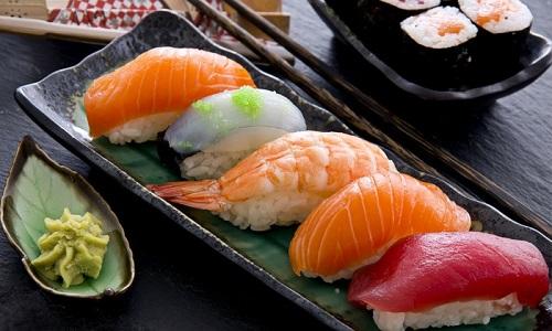 12 chòm sao ngon như món sushi nổi tiếng nào?