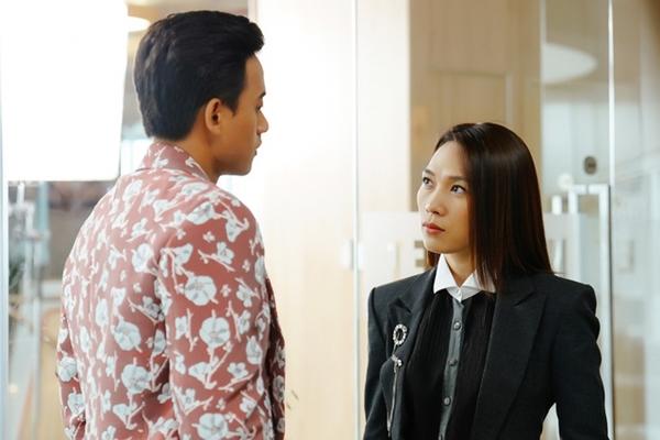 Mai Tài Phến không gặp áp lực khi đóng cảnh tình cảm với đàn chị.