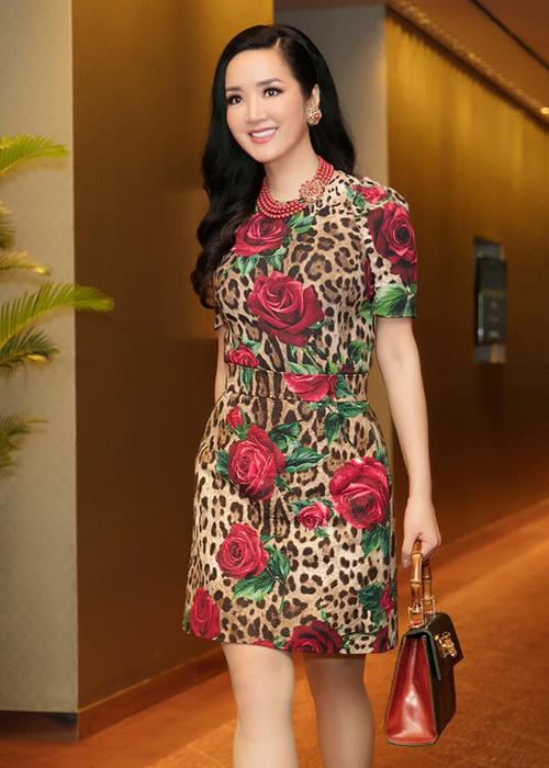 Vẻ đẹp không tuổi của Hoa hậu Giáng My.